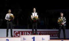 javier fernandez recibe medalla europeo