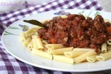 plato macarrones tomate carne