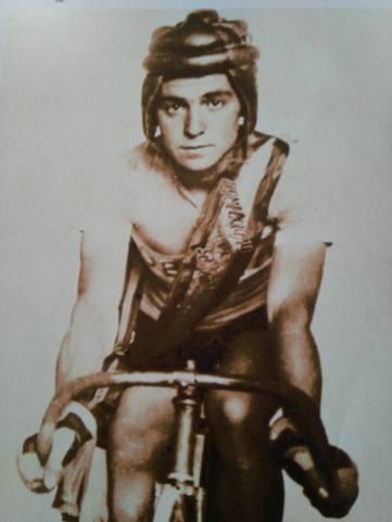 G. Timoner en su juventud