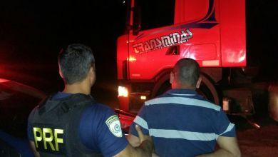 Photo of PRF prende caminhoneiro por embriaguez ao volante