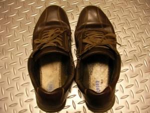 履き口の変形。靴は笑わないほうが良い。