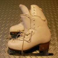 フィギュアスケートのスケートシューズとパフォーマンスアップ。