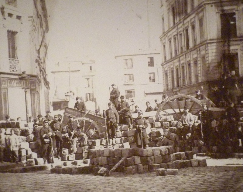 Commune_De_Paris_Barricade_Passage_Raoul_