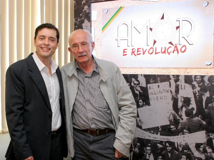 https://i0.wp.com/www.r7.com/data/files/2C95/948F/2EE4/4E29/012E/E473/7230/773A/amor-revolucao-lourival-ribeiro-sbt2.JPG