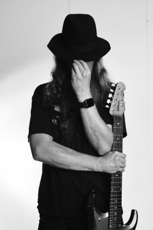 Kitaramies - Heidi Lauttanen