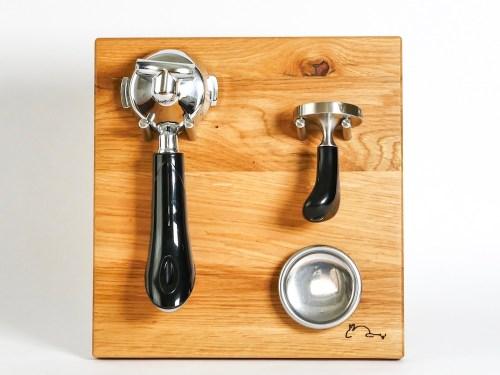 Siebträgerhalter, Siebträgerwandhalter Eiche Klein mit Sieben Rabbit Espressodesign