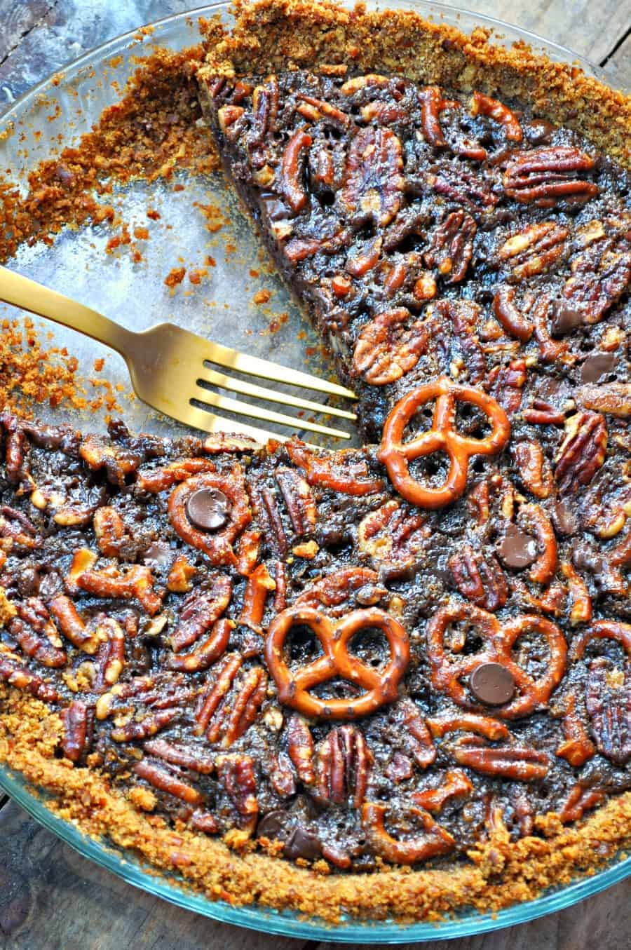 Vegan dark chocolate pretzel pecan pie rabbit and wolves literally no extra effort of trying to find the right recipe for a gluten free vegan pie crust forumfinder Choice Image