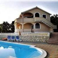 VILLA TANJA apartments with pool, jacuzzi and sauna
