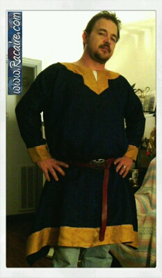 2015-02_Racaire_12th-century-male-overtunic_Conrad_finished