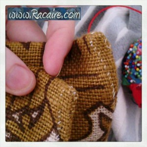Craft with Racaire – Project 2 – fast and easy pouch tutorial – Step 2.1 – hand sewing the corners