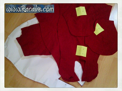2014-11_Racaire_medieval-stockings_fitting-sewing