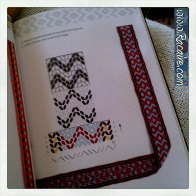 2017-04_Racaire_tabletweaving_pattern-example_Applesies-and-fox-noses-book