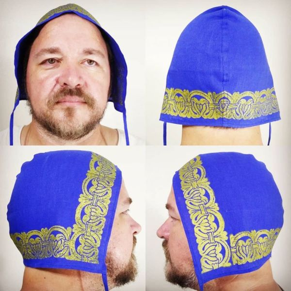 Large size 12th century linen coif / arming cap made from blue linen fabric & hand printed with a hand carved 12th century pattern stamp with premium gold print. Pre-washed fabric, ready to wear & machine washable!