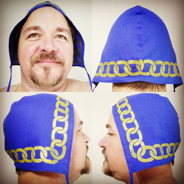Large size chain print linen coif / arming cap made from blue linen fabric &hand printed with a hand carved chain stamp with premium gold print. Pre-washed fabric, ready to wear & machine washable!