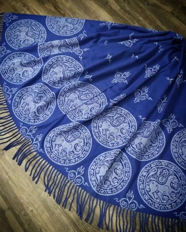 Soft & cozy blue scarf with 11th century lioness print & 12th century decorative filling stamp for a medieval experience all year long. Hand printed with hand carved stamps. The scarf is new, pre-washed, ready to wear & machine washable!