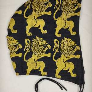 Large black linen coif/arming cap made from lovely black linen fabric, handprinted in yellow with a hand carved 16/17th century rampant lionstamp. Ready to wear, pre-washed fabric! The coif is machine washable!