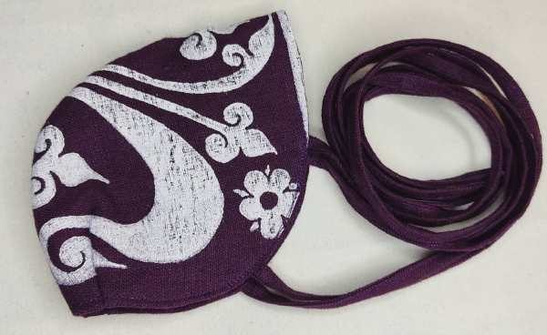 Purple linen face mask with long ties and white 13th century fleur-de-lis print. New, pre-washed & breathable fabric, ready to wear and machine washable!