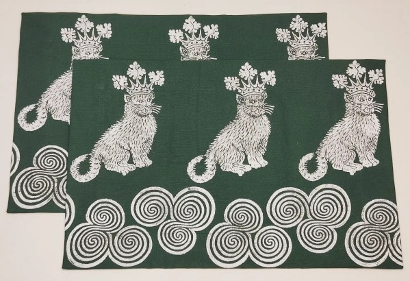 This lovely print combination was inspired by Tancorix who liked my catking and Newgrange triple spiral prints. A set of 2 dark green place mats with 15th century catking & Newgrange triple spiral print. Hand printed with my own hand carved stamps. The cotton canvas for the place mats is new & pre-washed. They are ready to be used & machine washable!