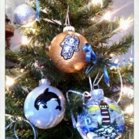 ...special christmas gifts - some hand painted christmas ornaments... :D