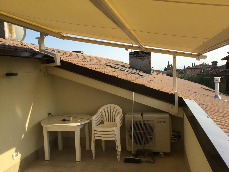 Racasi Tende  Pergolino come copertura di un terrazzo a vasca