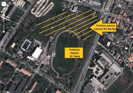 Areál sa nachádza medzi ulicami Černockého, Hečkova, Kadnárova a Žitná. Prvú časť dostala MČ Bratislava – Rača do správy v lete 2013, zvyšnú časť vyznačenú žltým jej mestskí poslanci odsúhlasili na januárovom zasadnutí. Foto: google