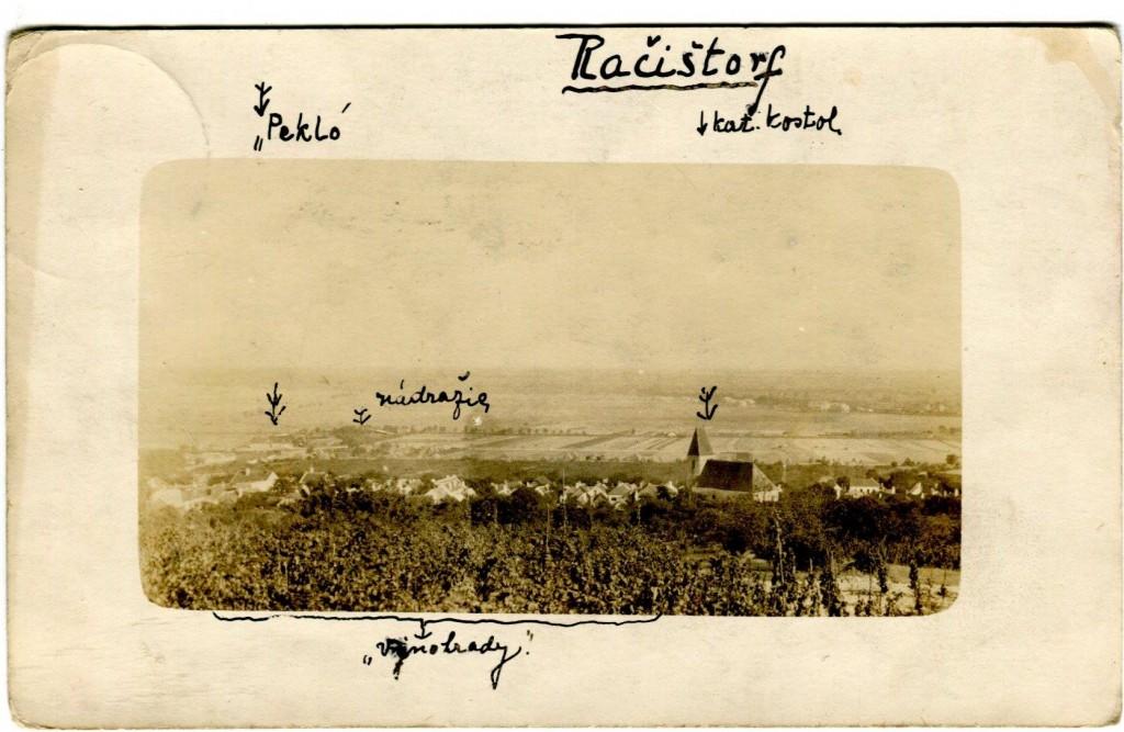 Unikátna pohľadnica z Račištorfu z roku 1923, ktorú opatruje v rodinnom archíve Lenka Škorpilová.