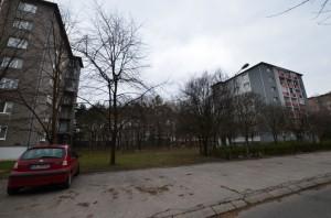 Problematický pozemok medzi domami na Hagarovej 17 a19 v Krasňanoch.