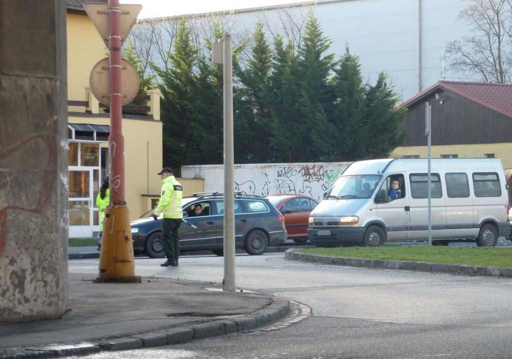 Račianska ulica uzavretá, situácia na železničnej stanici Vinohrady