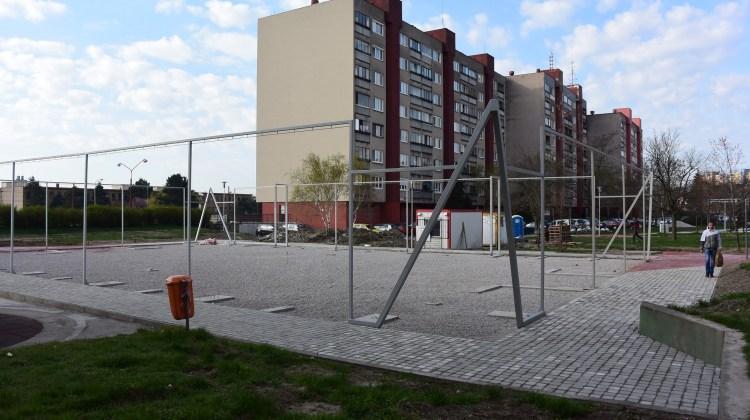 Komisárky Karpatské revitalizácia