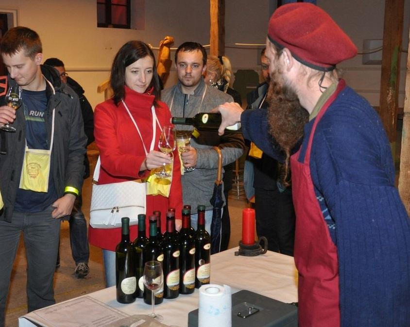 Vianočné trhy s vinármi z Rače