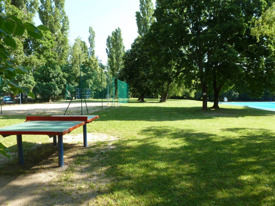 Kúpalisko Krasňany poskytuje okrem plávania aj viaceré možnosti na športovanie.