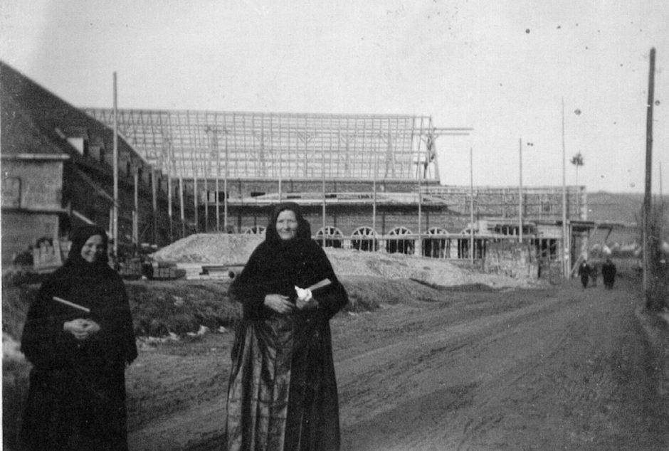 Jedinečný záber z výstavby Nemeckého kultúrneho domu v roku 1943.