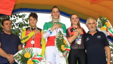 Matilde Vitillo sul podio ai Campionati Italiani crono 2018 di Villadose (foto Ghildardi)