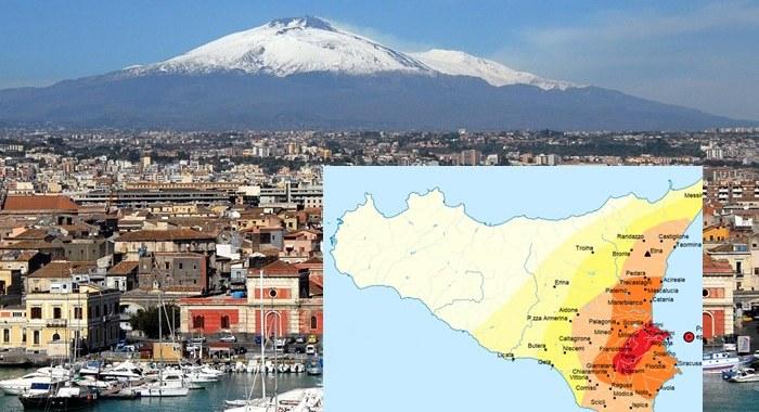 Terremoto nella notte in Sicilia nel catanese