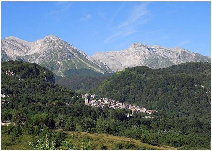 Borgo di Pietracamela