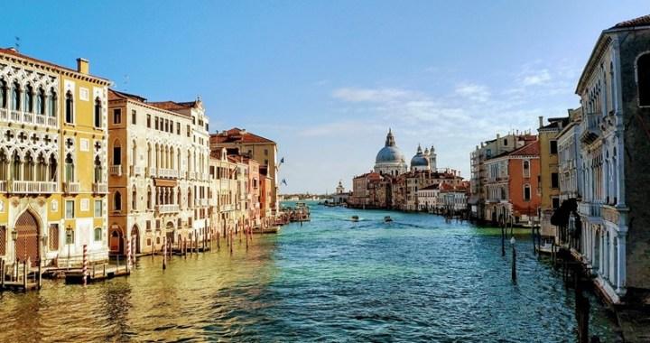 Acqua alta a Venezia con il Mose la marea non sale