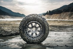 bfgoodrich_tires_km3_mud_terrain_001