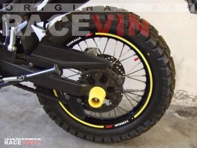 Yamaha Tricker 125 250 Racevinyl vinyl sticker stripes rim pegatina llanta rueda vinilo moto trasera
