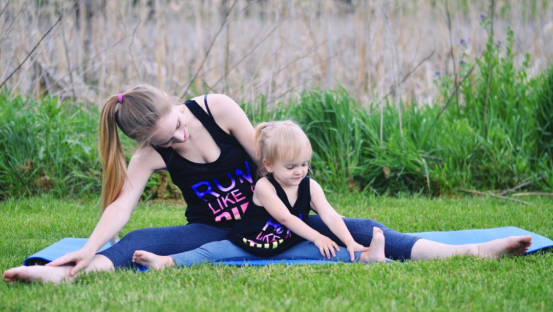Mommy And Me Yoga Tips Rachael Burgess