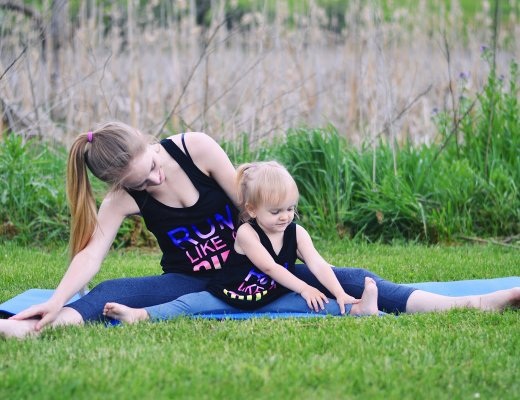Ideas for mommy and me yoga with your toddler by Rachael Burgess