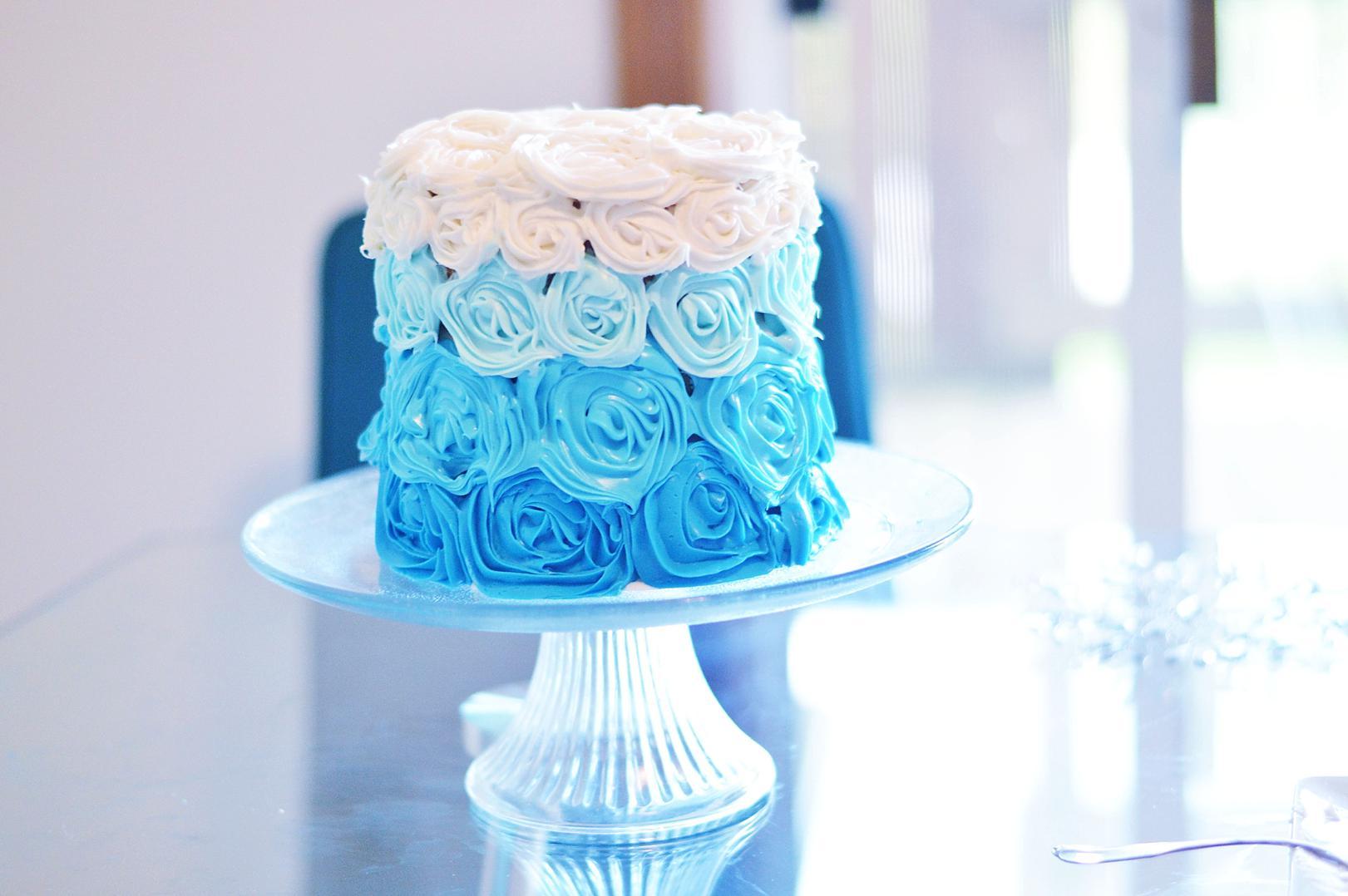 DIY Frozen Party Easy Beautiful Frozen Cake Frozen Party