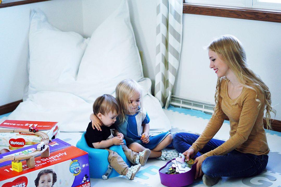 6 Ways to Save Money this Holiday Season | Rachael Burgess
