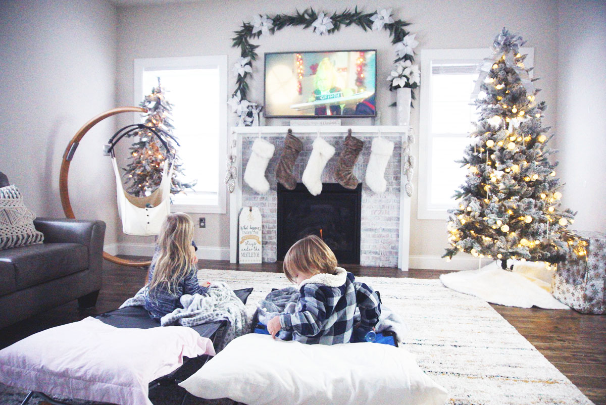100 Best Christmas Movies & TV Shows of All Time (& where to watch)
