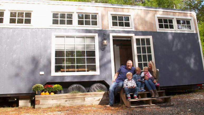 Tiny Home Tour How A Family Of 5 Living In A Tiny House
