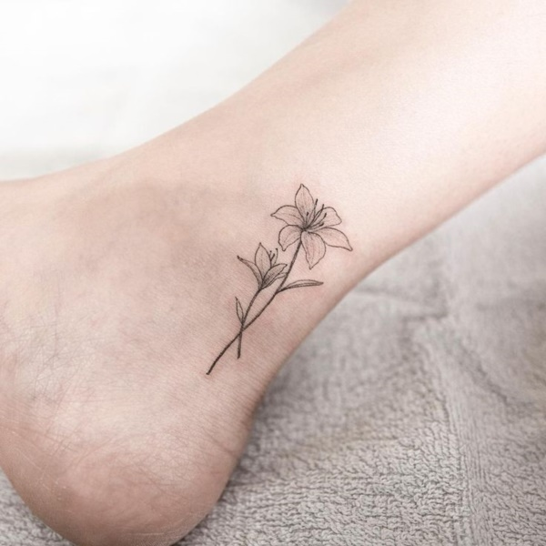 Small Flower Tattoo Designs For Women