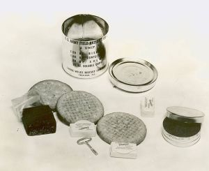 !941 C Ration with fudge bar on left. US Army.