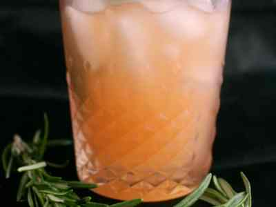 Don't Judge Me Mondays: Grapefruit Rosemary Refresher