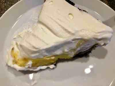 Lemon Chocolate Cookie Pie