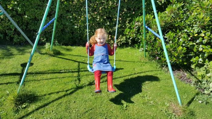#LivingArrows – Sunshine, Swings & Dinosaurs