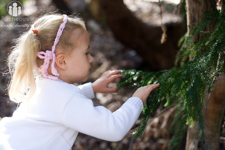 Nature sensory scavenger hunt